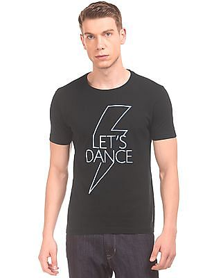 888a5a446569 Buy Men Glow In The Dark Print Slim Fit T-Shirt online at NNNOW.com