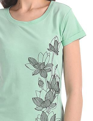 Cherokee Textured Print Round Neck T-Shirt