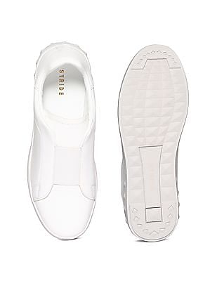 Stride White Low Top Solid Slip On Shoes