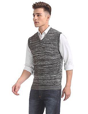 Arrow Newyork Sleeveless V-Neck Sweater